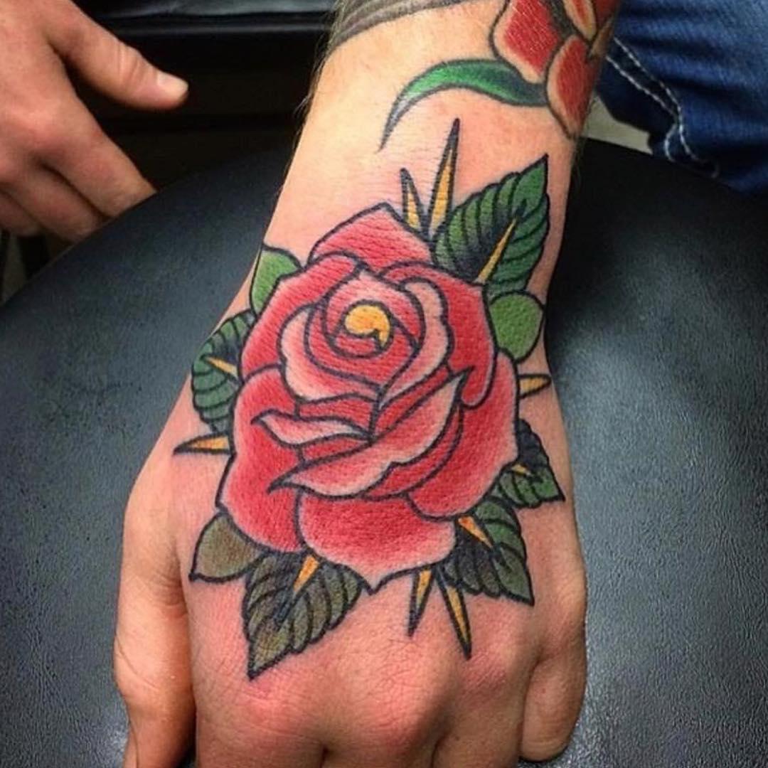 主页 纹身作品                        简先生后背写实狗狗爪子纹身